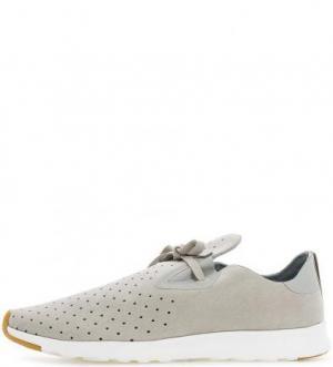 Серые кроссовки с перфорацией Native. Цвет: серый