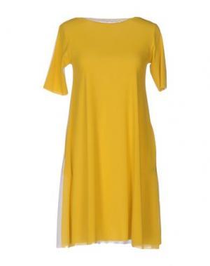 Короткое платье ALMERIA. Цвет: желтый