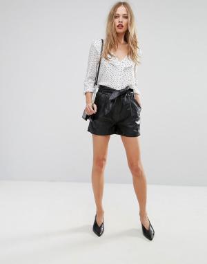 Y.A.S Кожаные шорты. Цвет: черный