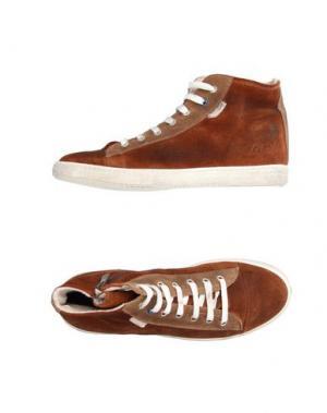 Высокие кеды и кроссовки LE CROWN. Цвет: коричневый