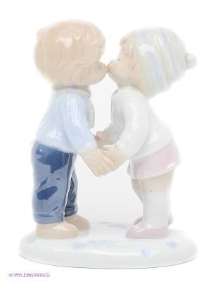 Фигурка Первый поцелуй Pavone. Цвет: белый, голубой, бледно-розовый