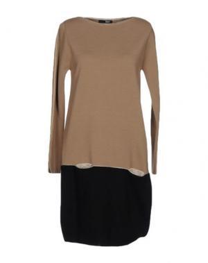 Короткое платье B.YU. Цвет: верблюжий