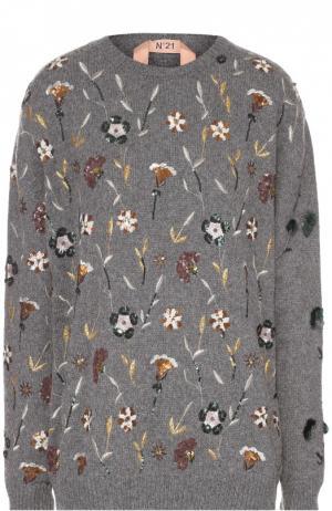 Удлиненный пуловер свободного кроя с декоративной вышивкой No. 21. Цвет: серый
