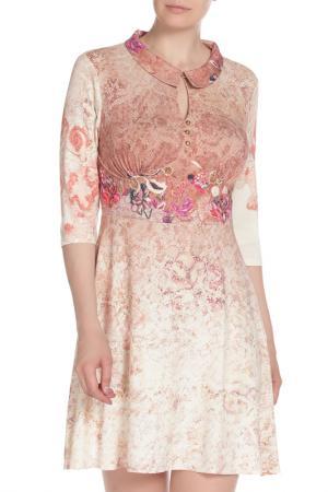 Принтованное платье с воротником E.LEVY. Цвет: бежевый