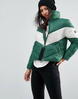 Puffa Оверсайз-куртка с контрастной шевронообразной вставкой. Цвет: зеленый