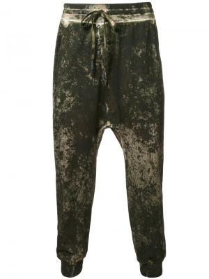 Спортивные брюки с заниженным шаговым швом 11 By Boris Bidjan Saberi. Цвет: зелёный
