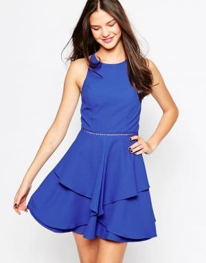 Adelyn Rae Короткое приталенное платье. Цвет: синий