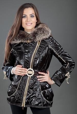Утепленная зимняя женская куртка с косой молнией FLO-CLO. Цвет: коричневый