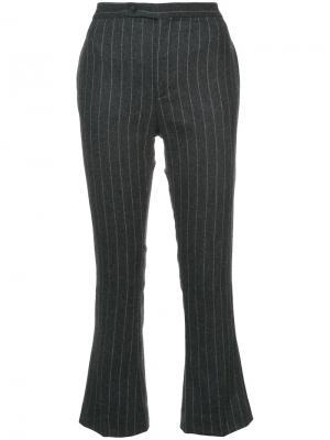 Полосатые расклешенные брюки R13. Цвет: чёрный