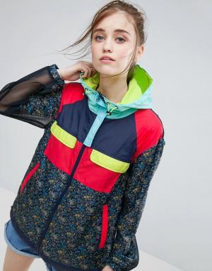 ASOS Куртка-дождевик с цветочным принтом и сеточкой. Цвет: мульти