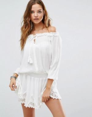 Surf Gypsy Пляжное платье с отделкой кроше. Цвет: белый