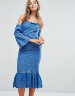 Foxiedox Платье миди с открытыми плечами и оборками. Цвет: синий