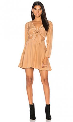 Платье с длинным рукавом elsa SIR the label. Цвет: цвет загара