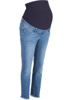 Мода для беременных: джинсы длины 7/8 с бахромой по нижнему краю (голубой) bonprix. Цвет: голубой