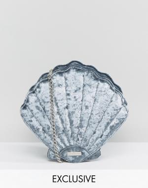 Skinnydip Эксклюзивная серая сумка через плечо в виде ракушки из мятого бархата. Цвет: серый