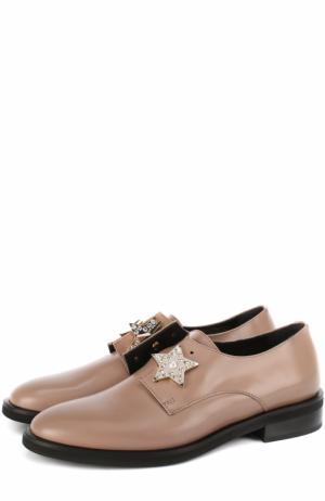Кожаные ботинки с брошами Coliac. Цвет: бежевый