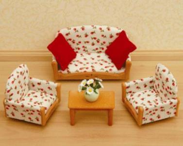 Мебель для гостиной Sylvanian Families. Цвет: кремовый, красный