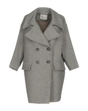 Пальто OTTOD'AME. Цвет: светло-серый