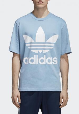 Футболка adidas Originals. Цвет: голубой