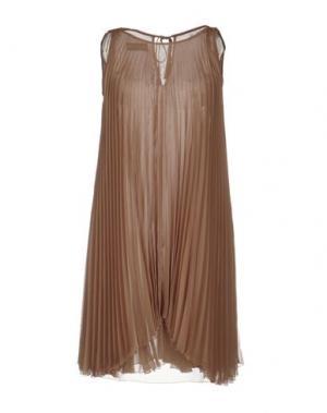 Короткое платье GIO' GUERRERI. Цвет: верблюжий