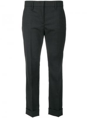 Укороченные строгие брюки Prada. Цвет: серый