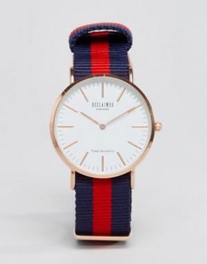 Reclaimed Vintage Часы с парусиновым ремешком в полоску. Цвет: синий