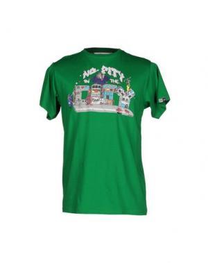 Футболка UPPER PLAYGROUND. Цвет: зеленый