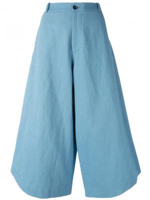 Укороченные брюки Summer Société Anonyme. Цвет: синий