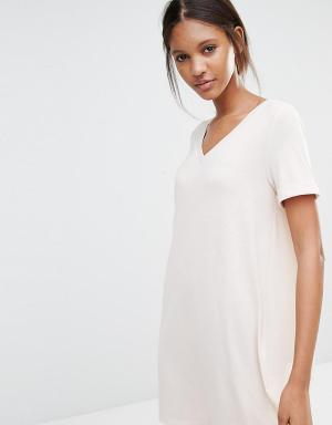 One Day Tall Платье-футболка в стиле oversize. Цвет: бежевый