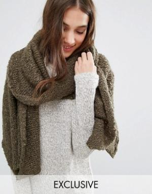 Stitch & Pieces Длинный вязаный шарф. Цвет: зеленый