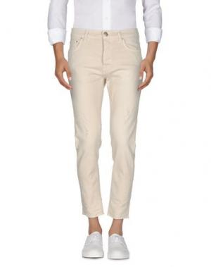 Джинсовые брюки AGLINI. Цвет: бежевый