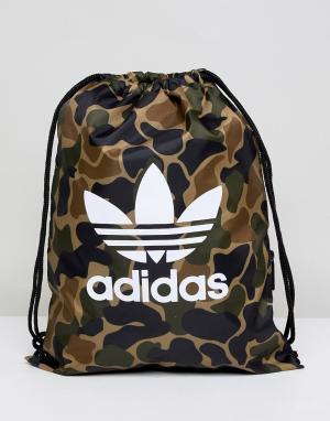 Adidas Originals Спортивная сумка с камуфляжным принтом CD6099. Цвет: зеленый