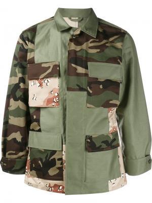 Куртка с камуфляжным принтом Sophnet.. Цвет: зелёный
