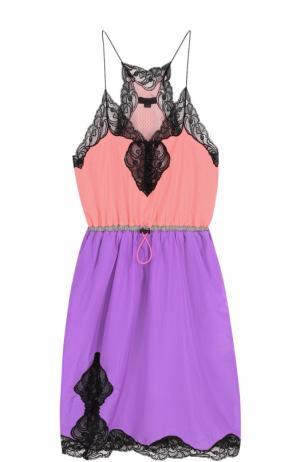 Приталенное мини-платье с контрастной кружевной отделкой Alexander Wang. Цвет: розовый
