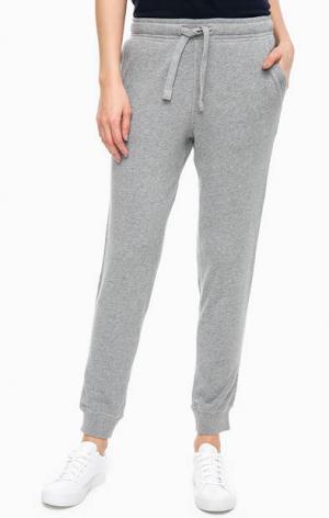 Серые брюки джоггеры с принтом Napapijri. Цвет: серый