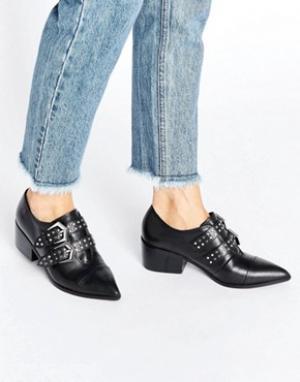 Office Кожаные туфли на среднем каблуке с заостренным носком Fly By. Цвет: черный