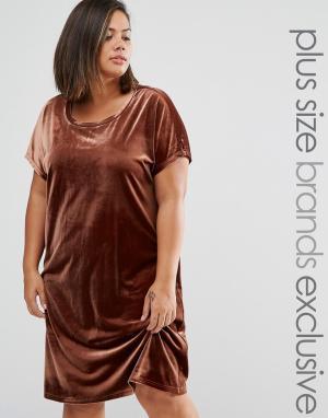 One Day Plus Бархатное цельнокройное платье мини. Цвет: коричневый