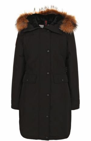 Приталенная пуховая парка с меховой отделкой капюшона Arctic Explorer. Цвет: черный