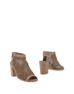 Полусапоги и высокие ботинки KEB. Цвет: хаки