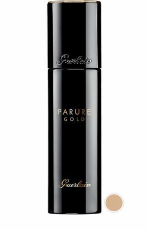 Тональное средство Parure Gold, оттенок 13 Розово-бежевый Guerlain. Цвет: бесцветный