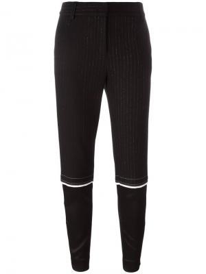 Зауженные брюки в узкую полоску DKNY. Цвет: чёрный
