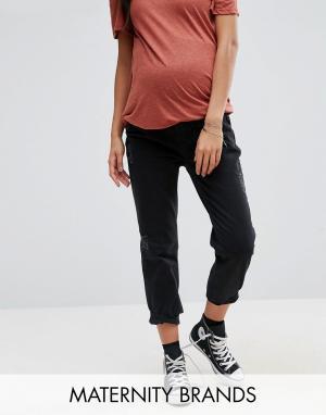 New Look Maternity Джинсы бойфренда для беременных с посадкой поверх живота Mate. Цвет: черный