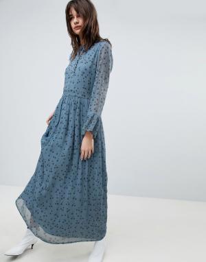 Gestuz Платье макси с цветочным принтом. Цвет: синий