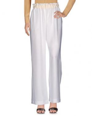 Повседневные брюки CAPRI. Цвет: белый