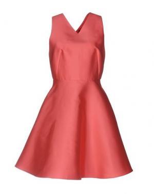 Короткое платье TARA JARMON. Цвет: коралловый