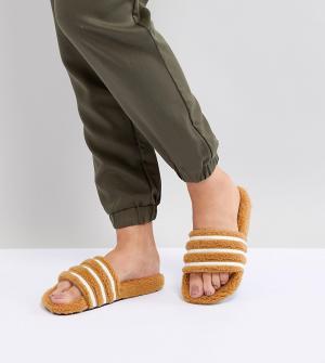 Adidas Originals Светло-коричневые шлепанцы Adilette. Цвет: черный