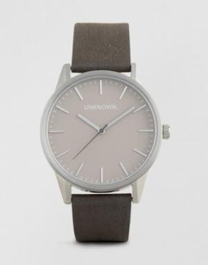 UNKNOWN Часы с серым кожаным ремешком. Цвет: серый