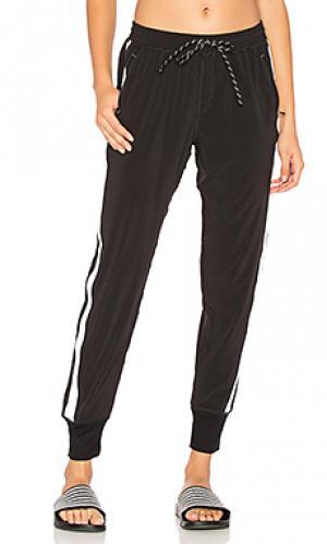 Городские брюки в рубчик unwind Vimmia. Цвет: черный