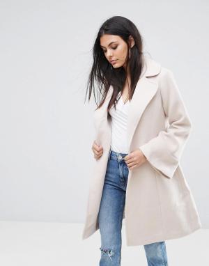 Lipsy Пальто с запахом и расклешенными рукавами. Цвет: рыжий