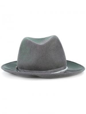 Шляпа с пером Forte. Цвет: серый
